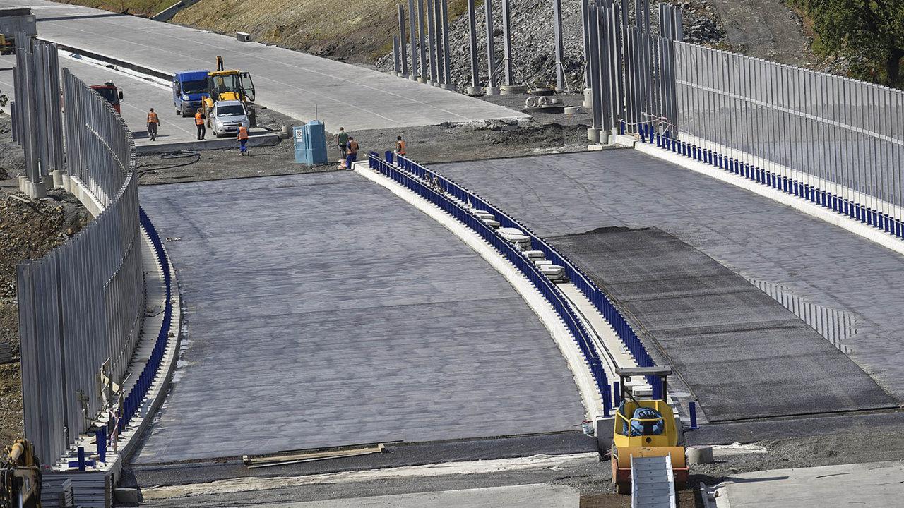 Příprava dopravních staveb by měla zrychlit z 13 let až o třetinu