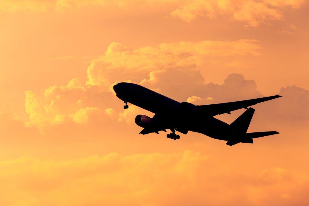 IATA snížila odhad zisku aerolinek na letošní rok