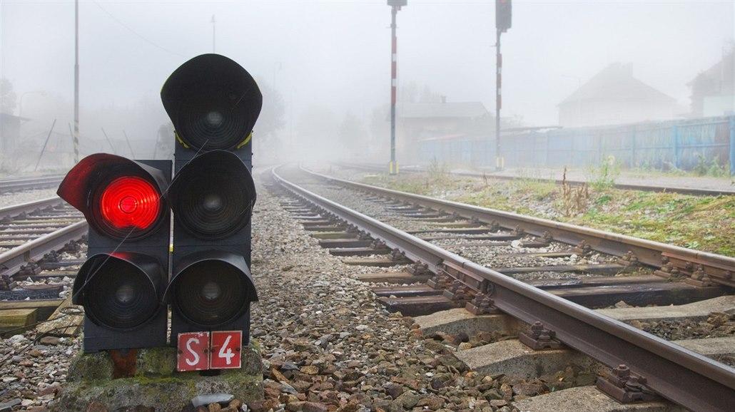 Projetí červené na železnici bylo do listopadu 140, méně než loni