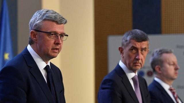 Šéf fondu Hořelica a náměstek Čoček zatím zůstávají ve funkcích