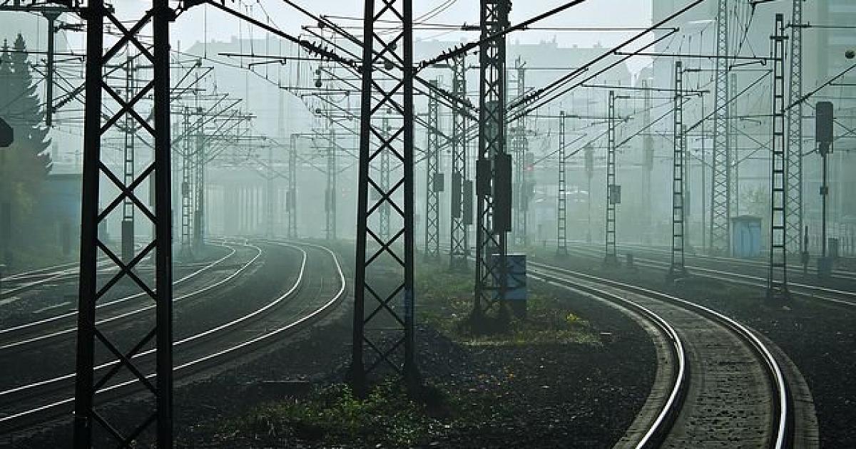 Elektřinu pro železniční dopravce zajistí i příští rok ČEZ ESCO