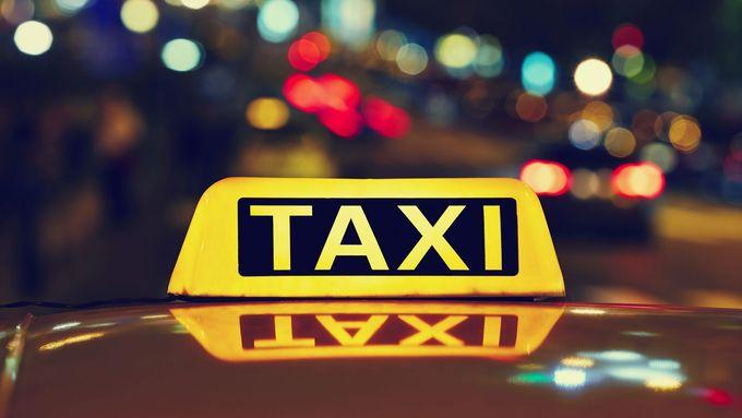 Žadatelé o licenci k taxi by měli prokazovat pracovní povolení