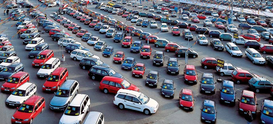 Autobazary chtějí udělit výjimku, aby mohly otevřít provozovny