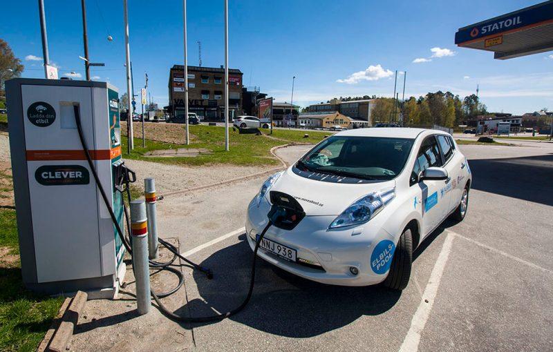 Dobíječky elektromobilů nebudou v úzkých ulicích a před památkami