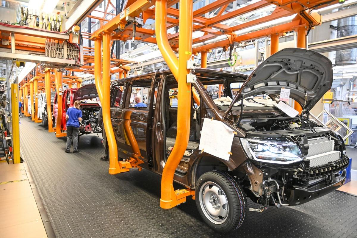 Volkswagen Užitkové vozy začne od 27. dubna postupně obnovovat výrobu