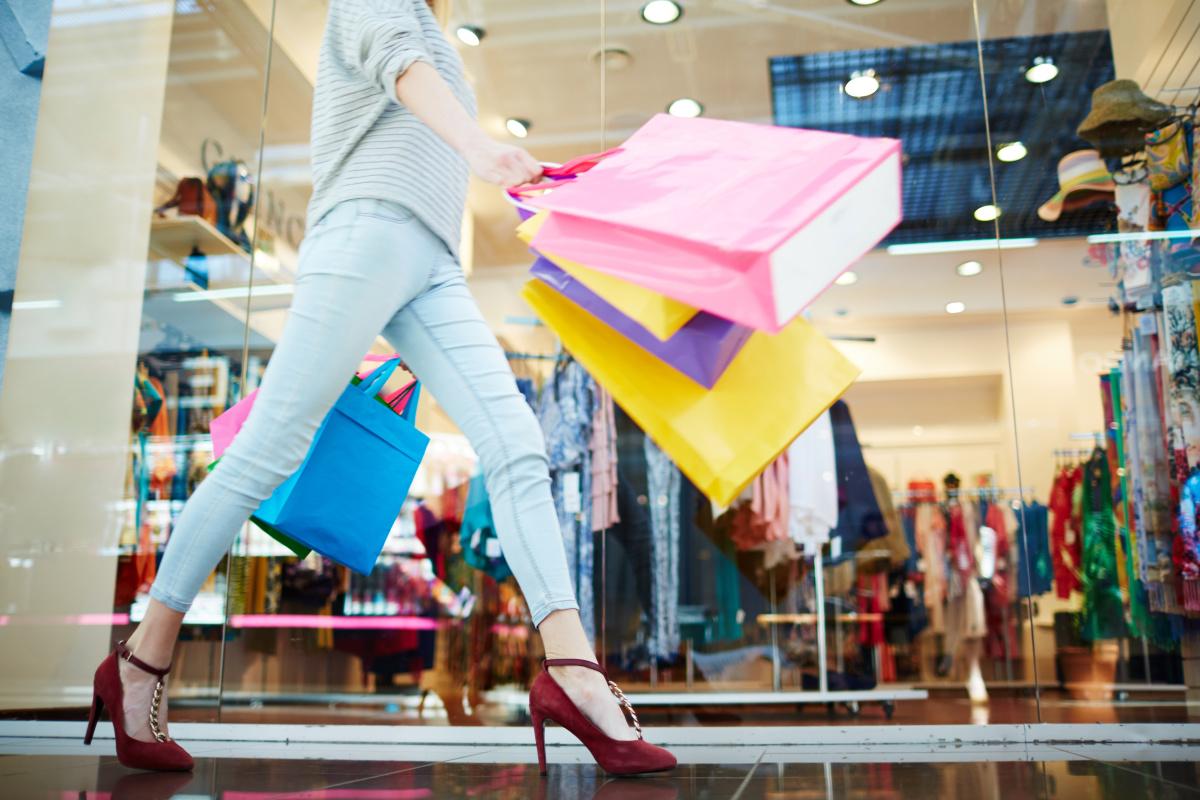 Průzkum CBRE: Češi zůstávají věrní kamenným obchodům, karanténa nákupní chování výrazně neovlivnila