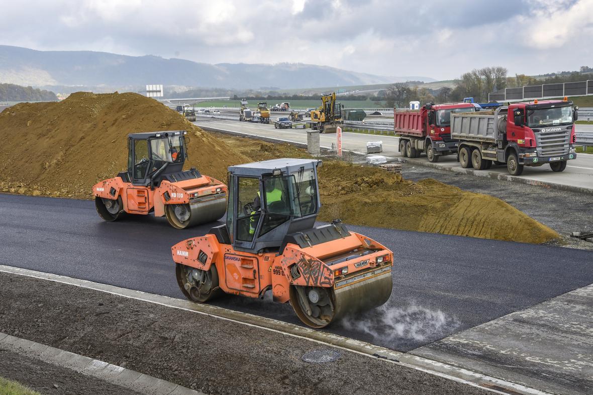 Rozpočet fondu dopravy zřejmě vzroste až na 124,4 miliardy korun