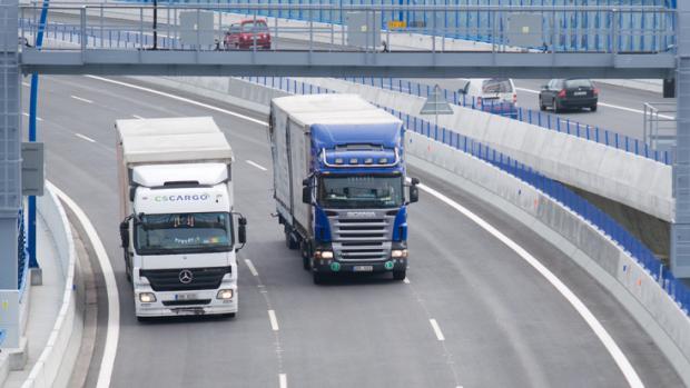 Dopravci budou muset zajistit dodržování přestávek řidičů kamionů