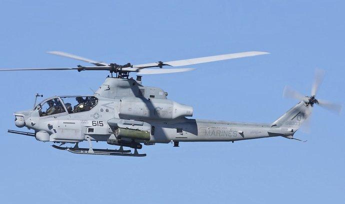 Obrana může koupit armádní vrtulníky z USA navzdory chybě