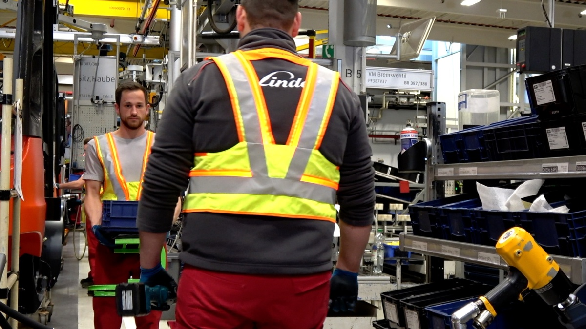 Linde Material Handling chytře řeší bezpečné odstupy mezi pracovníky