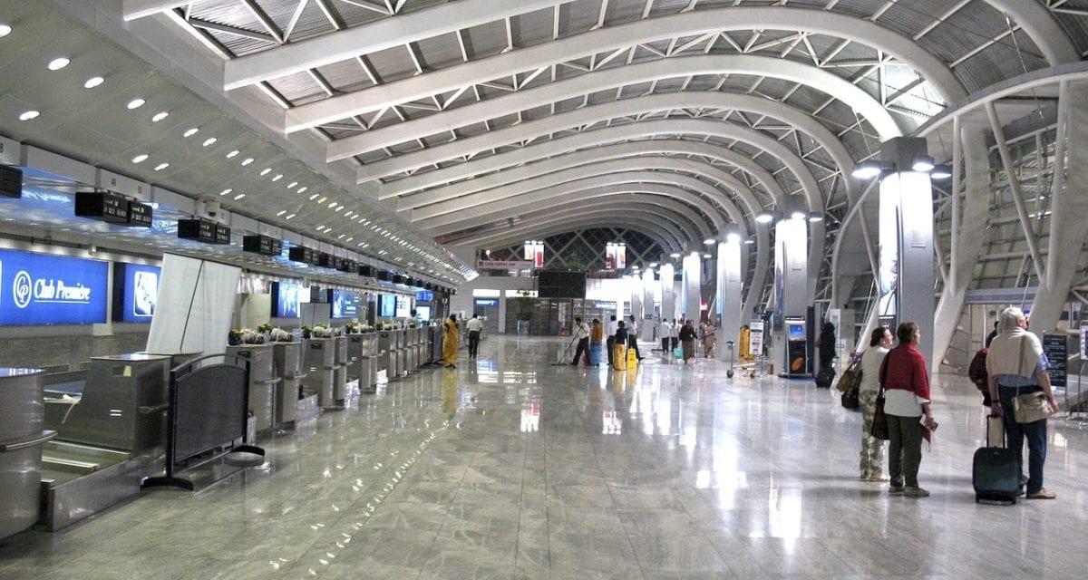 Dvěma stovkám evropských letišť hrozí insolvence
