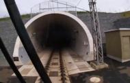 Železničáři otestovali rychlost 200 km/h v tunelu u Plzně