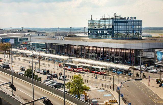 Pražské letiště zdraží služby, ceny letenek se zvýší asi o 80 Kč