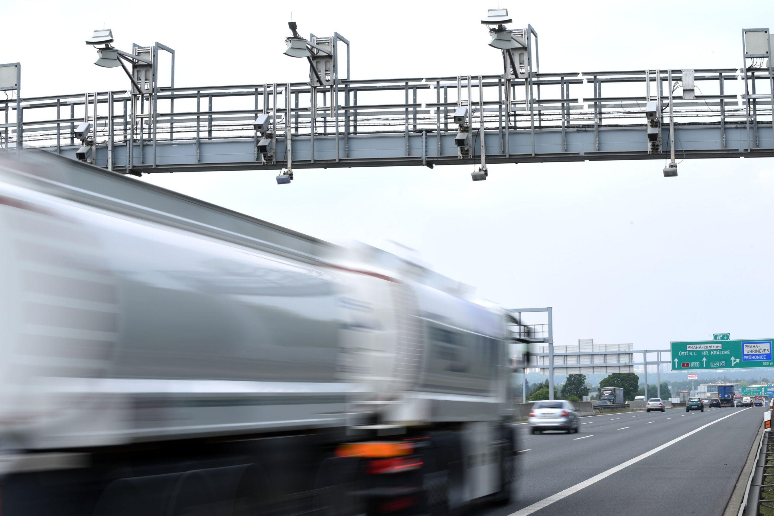 Nové mýto za rok činnosti zachytilo 950 mil. průjezdů za 11,2 mld
