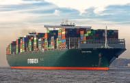 Loď v Suezském průplavu se podařilo uvolnit, doprava se obnovuje