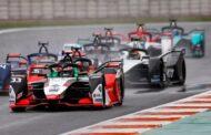 Formule E je pro smích, půlce aut došla při závodu elektřina
