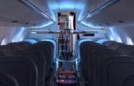 Ve švýcarských letadlech testují robota s UV lampami, které likvidují viry