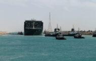 Egypt plánuje rozšířit jižní část Suezského průplavu, kde uvázla loď