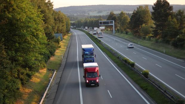 Zvlněný úsek D1 u Antošovic na Ostravsku musí stavaři opravit, rozhodl soud