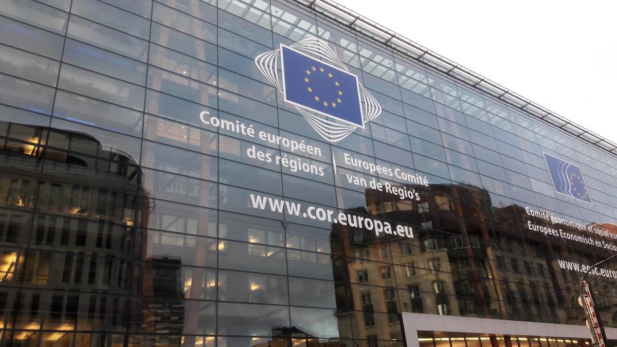 Evropská komise: Spalovací motory skončí v roce 2035