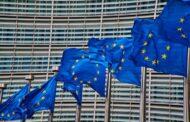 EK chce výrazně rozšířit prodej emisních povolenek, chystá kompenzační fond