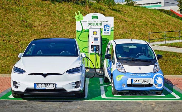 ČR má přes 700 stanic pro elektromobily, do roku 2030 chce stát desítky tisíc
