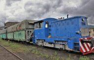 Vůz pro přepravu uhlí na Mostecku vystaví v železničním depozitáři v Chomutově