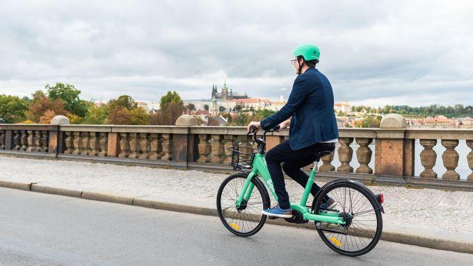 Loni v Praze přibylo cyklistů. Sčítače napočítaly přes 4,45 milionu průjezdů