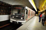 Pražský dopravní podnik zrušil tendr na distribuci novin v metru