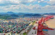 Zácpy v čínských přístavech narůstají, terminál v Ning-po je zavřený sedmý den