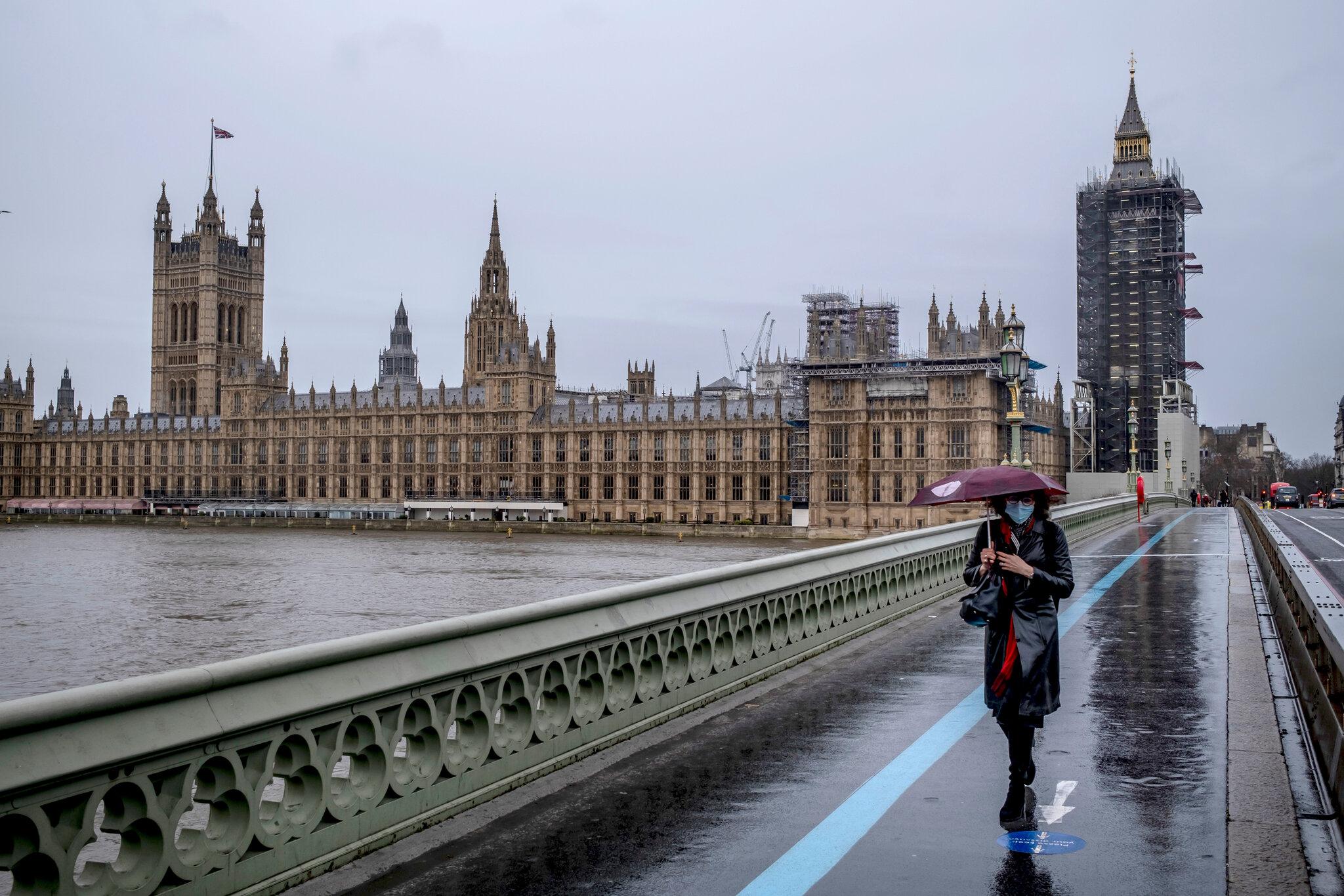Nová pravidla silničního provozu v Británii upřednostní chodce a cyklisty