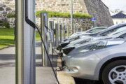 České firmy navýšily podíl aut s alternativním pohonem, v EU jsou ale poslední