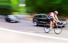 Cyklisty bude nutné od léta 2022 objíždět ve vzdálenosti půldruhého metru