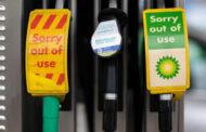 Některé čerpací stanice v Británii zavřely, nemá kdo dovézt pohonné hmoty